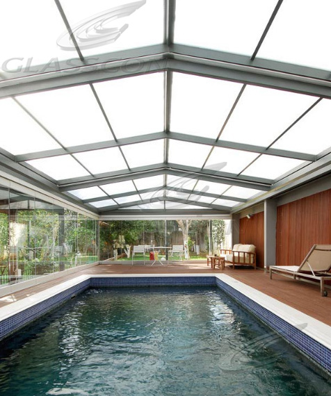 Freestanding retractable pool enclosures glasscon gmbh for Telescopic pool enclosures