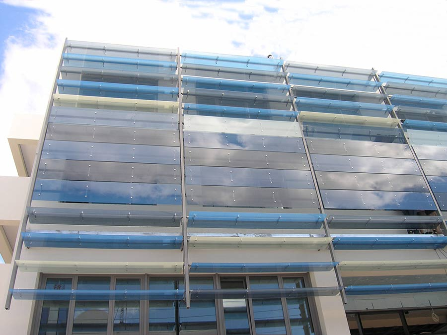 Glass louvers motorized or fixed glass shades glasscon for Fixed price house build