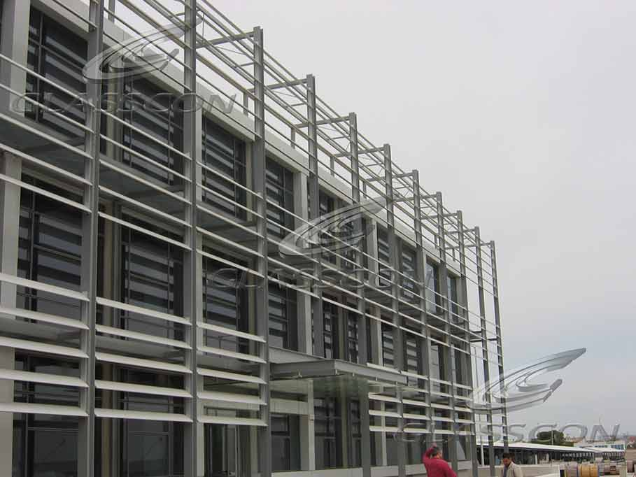 Building Facade With Aluminum Solar Louvers Glasscon
