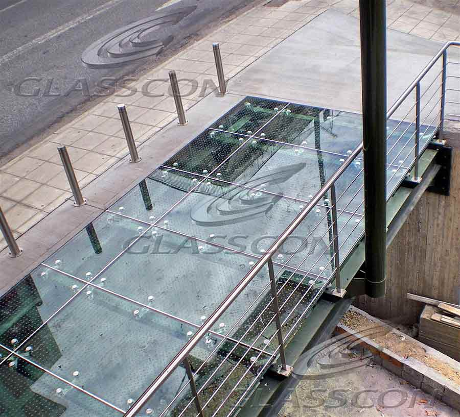 glass floor using point fixed spider system