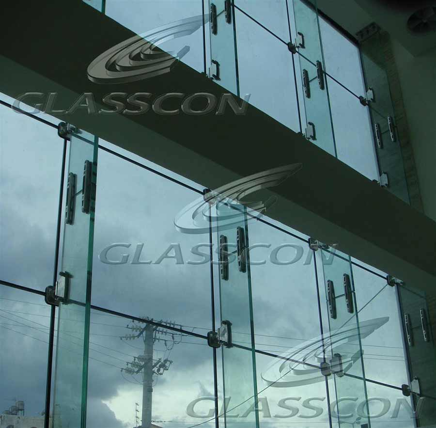 Ballistic structural glass curtain wall with glass fins glasscon gmbh arc - Toile de verre skinglass ...