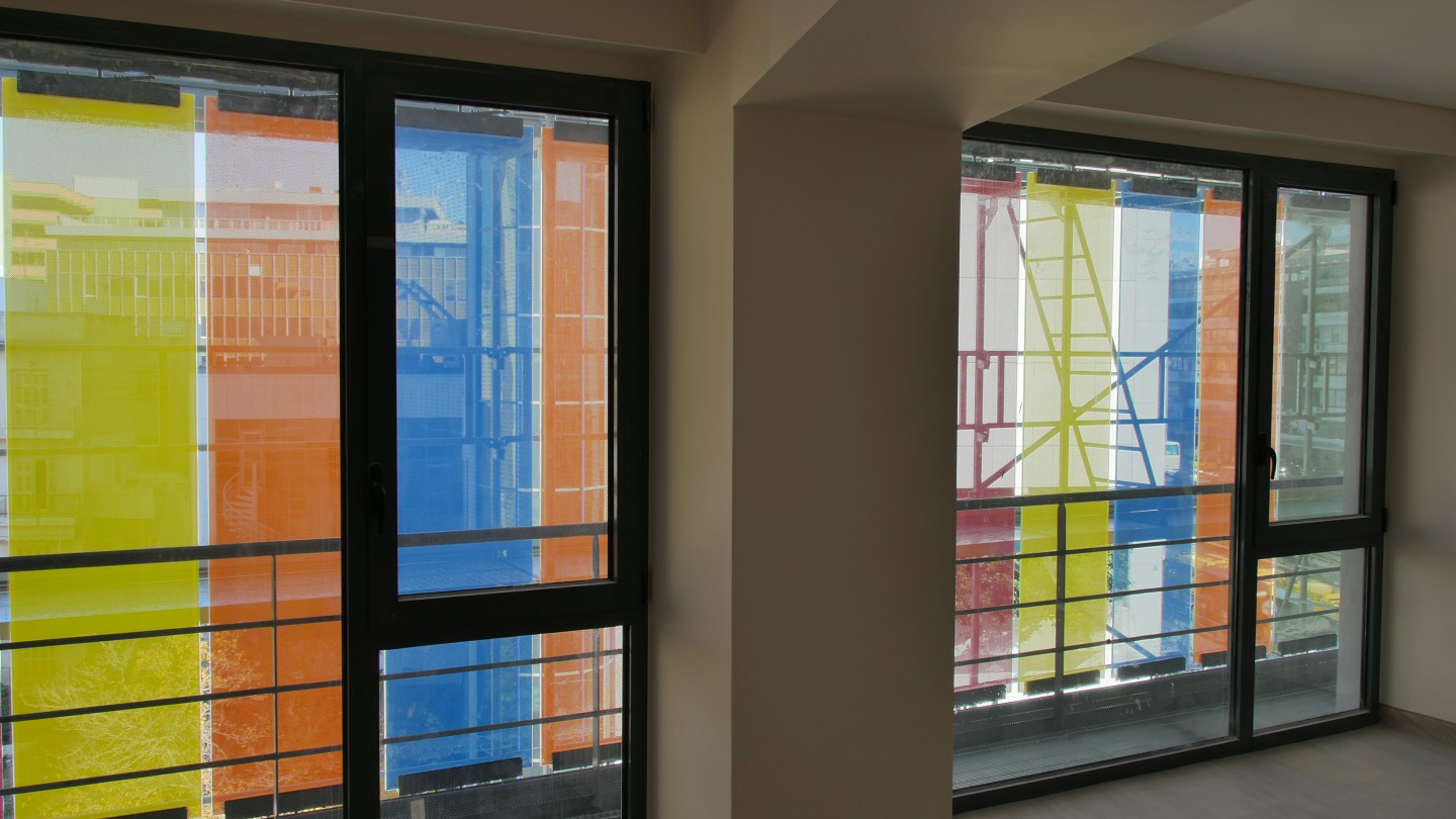 Building Envelope Motorized Colored Glass Shades
