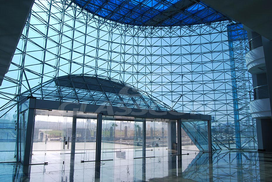 Spider Glass Wall : Curved spider glass façade on space frame cairo egypt