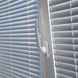 Double Glazing Motorized Venetian Blinds