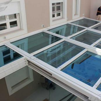 Retractable Glass Roof with Motorized Operation