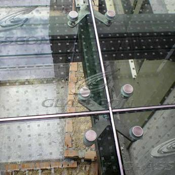 Glass Floor Using Point Fixed Spider Glass