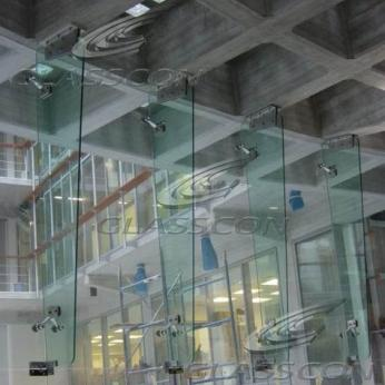 Curved Structural Glass Mullion Wall with Glass Fins