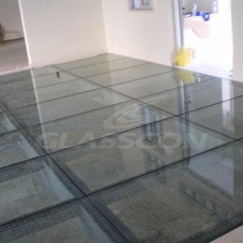 Glass Floor Glasscon 01.jpg