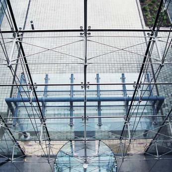 Spider DGU Glass with Tension Rod & Ceramic Cladding Glasscon.jpg